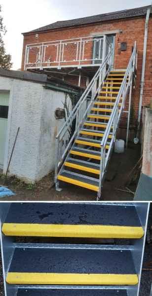 Anti Slip GRP Stair Treads Steel Staircase