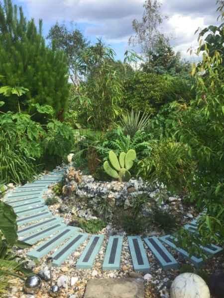 Decking Strips on Individual Garden Steps